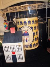 RARE NEW COOKIE JAR WHITE & BLUE HOUSE IN ORIGINAL BUCKET CONTAINER OVER & BACK
